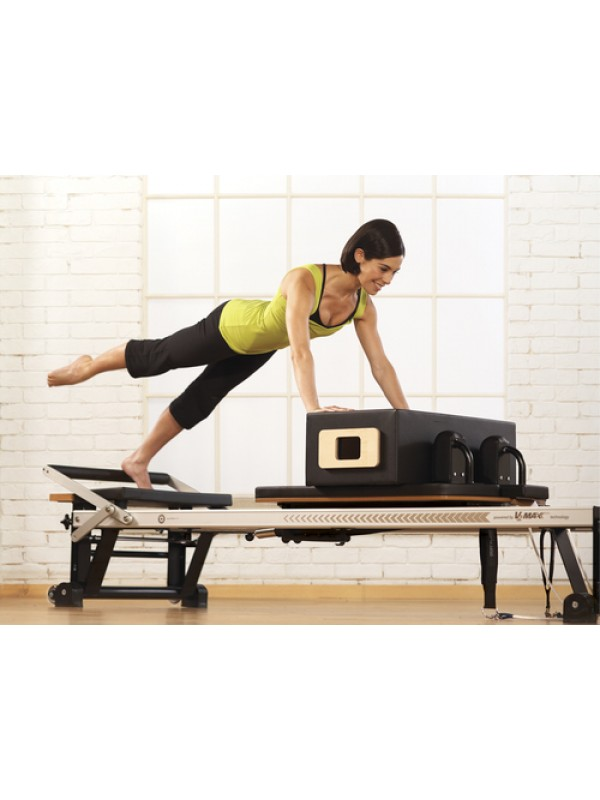 MERRITHEW V2 MAX Reformer with Deluxe Bundle